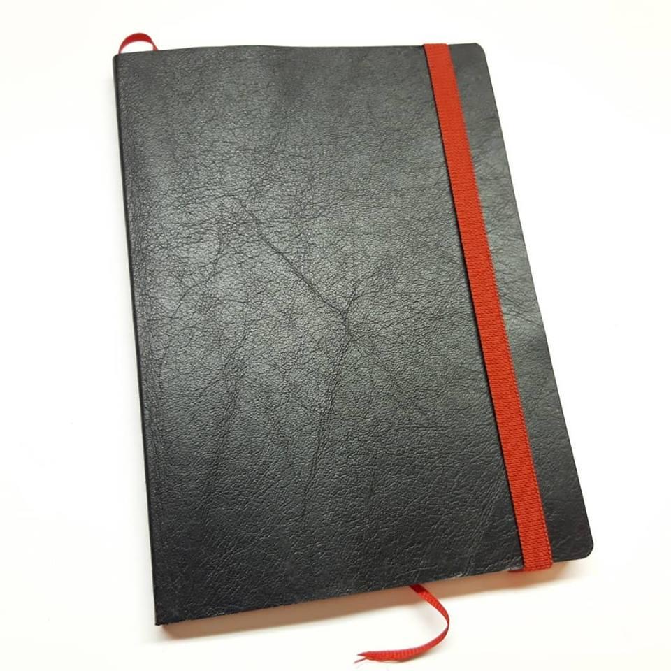 Notatbok svart gjenbrukt skinn (1231)